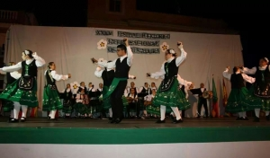 Folklore Adulto